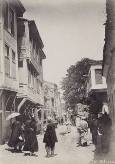 A steet in Ottoman Istanbul. Old Pictures, Old Photos, Middle East Culture, Turkey History, Empire Ottoman, Asia, Historical Pictures, East Africa, Istanbul Turkey