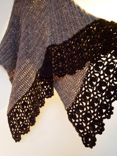 VMSomⒶ KOPPA Crochet Shawl, Knit Crochet, Crochet Things, Poncho Shawl, Crochet Fashion, Crochet Clothes, Crochet Patterns, Embroidery, Knitting