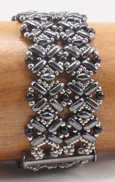 Instructions for Flatiron Bracelet   Beading Tutorial by njdesigns1 on Etsy https://www.etsy.com/listing/255333424/instructions-for-flatiron-bracelet