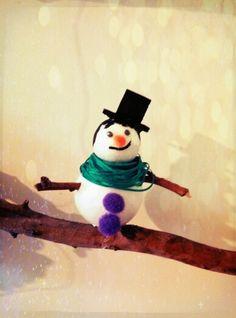#Xmas #Christmastree #handmade #branches #snowman #decoration # ornament #smiles #happy #love #joy  #holidays #criative #sophie_lamidi