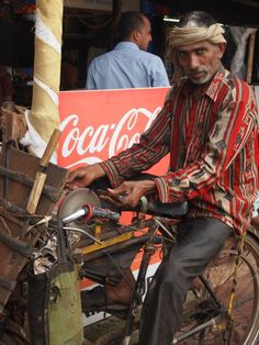 Knife Sharpening in Mumbai, India