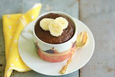 You only need 5 ingredients to make my 1 Minute Chocolate Banana High-Protein Mug Cake featuring tons of flavors and lots of good protein.