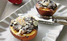 Pesche ripiene cacao amaretti e poco altro,passate al forno pochi minuti e gustate anche fredde...un dessert estivo buonissimo! Ricette La cucina di ASI