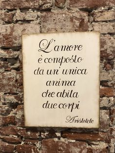 Quadro in legno dipinto a mano libera, realizzato nel laboratorio di Atelier Maison AM. Best Quotes, Love Quotes, Small Book, Love And Marriage, Hobbies, Thoughts, Words, Life, Hobby Lobby