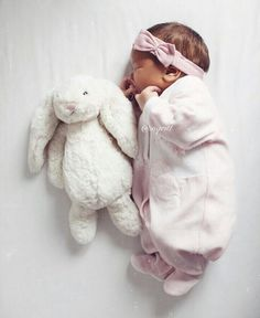 Pin by D.S on baby fashion Cute Kids Photos, Cute Baby Pictures, Newborn Pictures, Baby Photos, Beautiful Pictures, Baby Kind, Cute Baby Girl, Funny Babies, Cute Babies