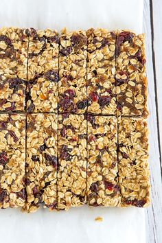 These no-bake granola bars contain only five ingredients, no added sugar, and are infinitely customizable... A perfect lunchbox snack!