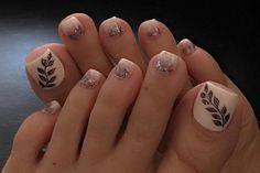 11 Toenail Designs That Make Having Feet More Fun 12 Cute Toe Nail Art Designs 2018 - Best Toenail Polish Ideas Gold Toe Nails, Pretty Toe Nails, Cute Toe Nails, Feet Nails, Toe Nail Art, My Nails, Toenail Art Designs, Pedicure Designs, Fall Nail Designs