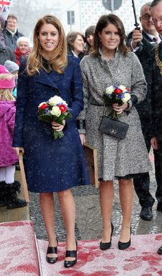 (L-R) Princess Beatrice and Princess Eugenie arrives at Hanover City Hall on 18 Jan 2013 in Hanover, Germany