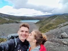 After 4 months in Asia we are finally here... New Zealand - you are wild green and soooo beautiful ... The weather wasn't so inviting today - rain wind and even snow! But we reached Tama Lake - the most blue water we've seen surrounded by heathers