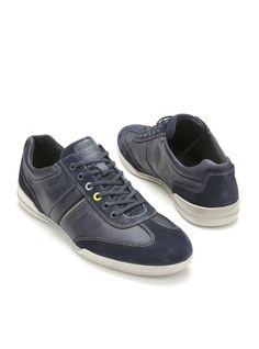 Hippe blauwe sneakers van Ecco. Deze Ecco Enrico veterschoenen hebben een bovenwerk gemaakt van leer. De voering is gemaakt van leer en het leren voetbed is uitneembaar.