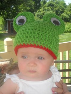 3d04d19e357 Baby Crochet Frog Hat Photo Prop by smmak2 on Etsy