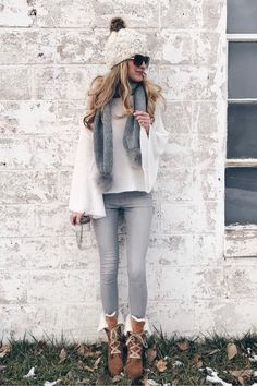 Winter fashion trends 2018 - pom pom scarf cute winter outfit on pinterestingplans