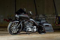 Harley Davidson News – Harley Davidson Bike Pics Harley Davidson Museum, Harley Davidson Street Glide, Harley Davidson Sportster, Custom Baggers, Custom Motorcycles, Custom Bikes, Motorcycle Icon, Touring Bike, Hot Bikes