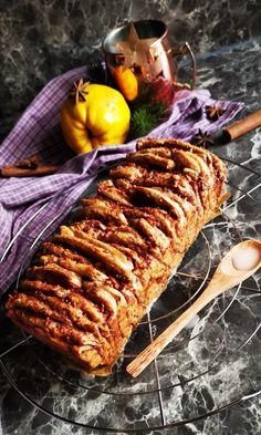Quitten werden als die goldenen Früchte des Herbstes bezeichnet. Zum Backen, als Gelee oder aus dem Ofen - sie ist so vielseitig! In diesem Beitrag findest du ein paar Infos und natürlich ein Rezept! Couple, Bakken, Recipes