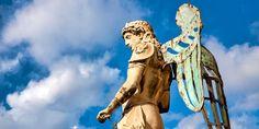 SAPETE QUAL E' LA PRIMA BASILICA DEDICATA A SAN MICHELE ? Georg Gänswein, Constantino, Statue Of Liberty, Archangel Michael, Saint Michael, Christianity, Vatican, Cousins