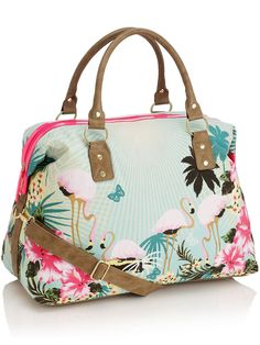Love the fun, summery illustrative style of Accessorize's 'Florida Flamingo Weekender' bag. The weekender bags are really great quality, hard-wearing and fit lots of things in.