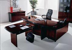 Мебель для офиса бывает разной, в зависимости от уровня занимаемой должности сотрудников, которые трудятся в помещении