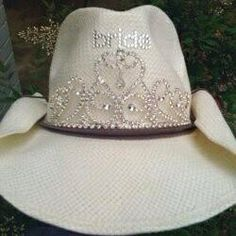 de42b2292c9 White-western-bridal-wedding-cowgirl-hat-cowboy-western by ...