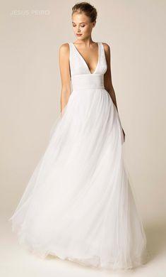 960 Wedding Dress from Jesus Peiro V Neck Wedding Dress, Luxury Wedding Dress, Classic Wedding Dress, Luxury Dress, Wedding Suits, One Shoulder Wedding Dress, Wedding Gowns, Wedding Ceremony, Western Wedding Dresses