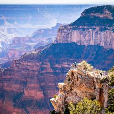 The Grand Canyon's North and South Rims are only 10 miles apart as the crow flies—but you're no crow. By road, you're looking at a 4-hour drive, without traffic.