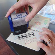 I timbro del gruppo Expo - Consigli per gli Utenti Verso fine maggio in Expo è stato introdotto un nuovo gadget: il passaporto dell'esposizione universale. Fin dal primo giorno in cui è stato messo in vendita ha cominciato ad andare a ruba e attualmente...
