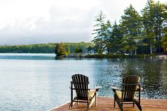 Style destination: Muskoka - Style At Home Lakeside Living, Lakeside Cottage, Lake Cottage, Outdoor Living, Lake Cabins, Cabins And Cottages, Style At Home, Ontario Cottages, Voyage Canada
