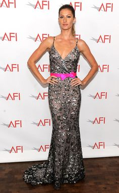 Gisele Bündchen from Oscar de la Renta's Top Red Carpet Looks  The world's biggest supermodel not only posed in the designer's dresses for magazine spreads she also liked to don his gowns on the red carpet.