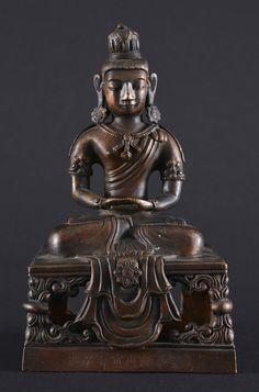 Amitayus en bronze, marque et période de Qianlong, daté 1770, assis en dyanasana sur un piédestal ajouré Tibetan Art, Buddha Statues, Buddhist Art, Himalayan, Asian Art, Meditation, Bronze, Japan, Album