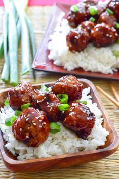 Juicy, tender meatballs tossed in an easy, homemade sweet teriyaki sauce! Teriyaki Meatballs, How To Cook Meatballs, Teriyaki Sauce, Healthy Chinese Recipes, Luau Food, Appetizer Recipes, Appetizers, Balls Recipe, Meatball Recipes