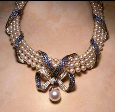 Zafiros azules y perlas