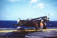 Chance-Vought F4U-5NL Corsair de la Armada Argentina en el ARA Independencia .