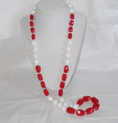 Big Chunky Monet Red Necklace, Red and white faceted Lucite crystal necklace #Monet #Chain