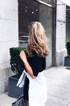 Hair accessory: wavy hair blonde hair