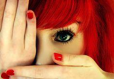 Love red! Pretty eye make up too.
