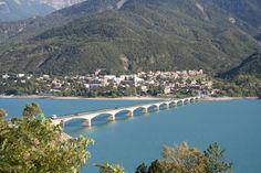 Le lac de Serre-Ponçon. Région superbe.