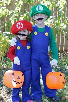 DIY Tutorial: DIY BOYS HALLOWEEN COSTUMES / DIY Mario and Luigi Costumes - Bead&Cord