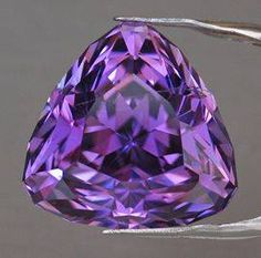 Gemstone Photographs - Kunzite (Pink Spodumene) Colors of Spring 2013 African Violet Purple Love, All Things Purple, Minerals And Gemstones, Rocks And Minerals, Rocks And Gems, Diamond Gemstone, Stones And Crystals, Gem Stones, Constellations