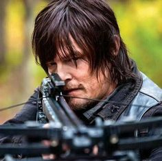 who will die in the Walking Dead Season 6? What is the Walking Dead Season 6 Premiere Release date? All you'll get to know here in this article.