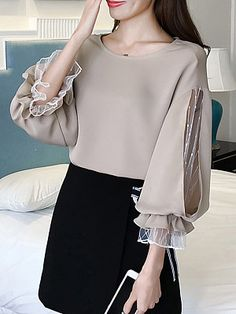 Round Neck Patchwork See Through Plain Puff Sleeve Blouses - Blouse designs Look Fashion, Hijab Fashion, Fashion Outfits, Fashion Boots, Womens Fashion, Sleeves Designs For Dresses, Dresses With Sleeves, Sleeve Designs, Blouse Styles
