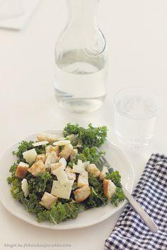Caesar-salaatti lehtikaalista | Kauhaa ja rakkautta