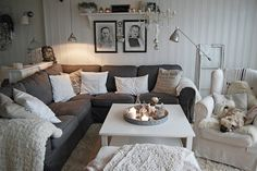 This is so calming. Love the neutrals. Would be perfect paired with some rustic elements and pops of color.