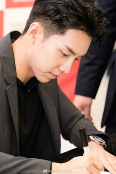 ♥18.05.01 Leaders Cosmetics Fan Signing HQ Official Photos 2 ‹ Everything Lee Seung Gi ‹ Reader — WordPress.com