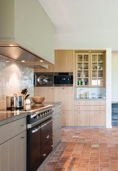 Novy Pure'line in cottage style kitchen  Source: Frank Tack