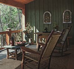 Country porches vinyl windows cabin and logs for Log cabin exterior stain colors