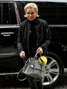 We Think Yolanda Hadid is the Likely Source of Her Model Daughters' Good Taste in Bags - PurseBlog