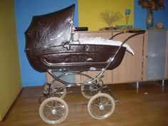 Hnědý STEGNER Baby Carriage, Prams, Kids And Parenting, Bobs, Baby Strollers, Retro, Architecture, Stroller Bag, Baby Buggy