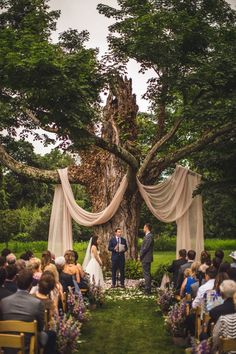 Fairytales Come To Life At This Whimsical Wedding boho wedding Fairytales Come To Life At This Whimsical Wedding Magical Wedding, Perfect Wedding, Whimsical Wedding Ideas, Unique Weddings, Wedding Colors, Wedding Themes, Wedding In Forest, Tree Decorations Wedding, Unique Wedding Food