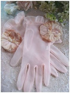 I think, I need to be a fancy woman. So that I can wear gloves. <3