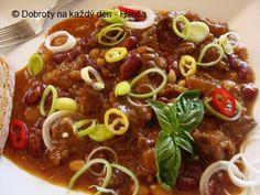 Pekelně pikantní guláš Czech Recipes, Ethnic Recipes, Ramen, Chili, Spaghetti, Soup, Beef, Homemade, Vegan