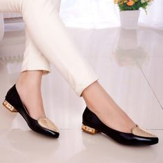 office-shoes-675x675 18 Work Outfits Every Working Woman Should Have